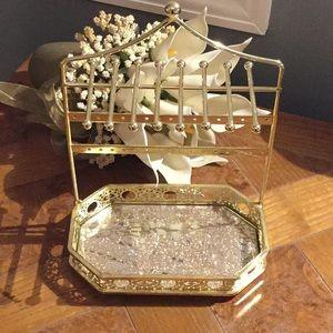 Gold tone jewelry holder